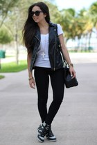 black high waisted GoJane jeans - white Target shirt - black brahmin bag