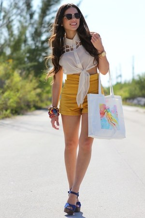 mustard romwe shorts - white 2020AVE shirt - white INVERTED COMMAS bag