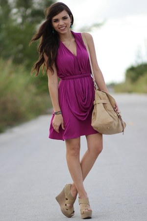 tan Mimi Boutique bag - magenta Julian Chang dress
