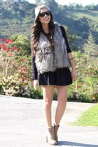 heather gray Sugarlips vest - tan Forever 21 shoes - dark gray Furor sunglasses