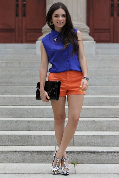 blue beginning boutique top - black jill milan bag - orange Zara shorts