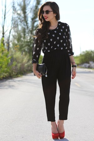 white beginning boutique shirt - black furor moda bag - black Mimi Boutique bag