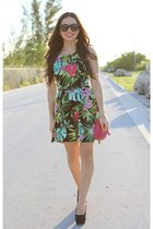 hot pink remi and emmy bag - green Love dress - black furor moda sunglasses
