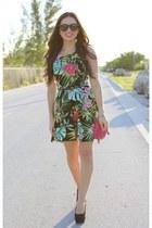 hot pink remi and emmy bag - green Love dress - black furor moda sunglasses