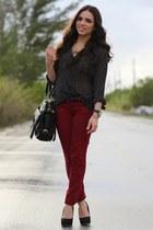 black Steve Madden shoes - black She Inside shirt - black Mimi Boutique bag