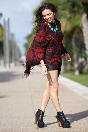 brick red poncho Furor cape - black Jeffrey Campbel shoes
