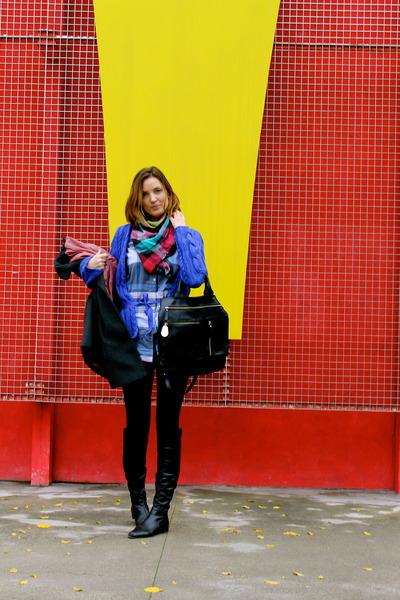 Sergio Rossi boots - Calzedonia leggings - H&M shirt - Zara scarf