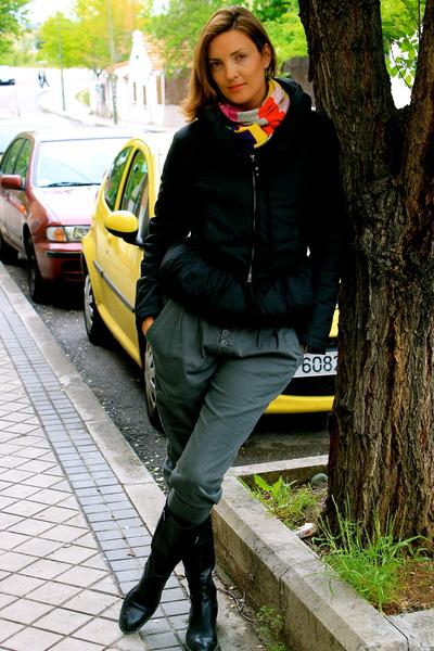 Geox boots - Sonya Rykiel scarf - Zara pants