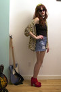 Black-shirt-blue-denim-levis-shorts-gold-leopard-vintage-blouse-ruby-red-p
