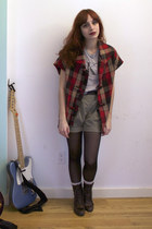 victorian we who see boots - Zara shorts - cropped vintage calvin klein t-shirt