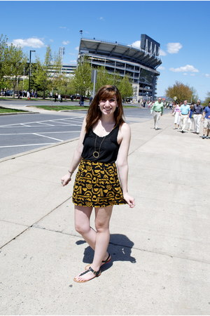 mustard tribal print Forever 21 skirt - black cotton BrandymelvilleUSA shirt