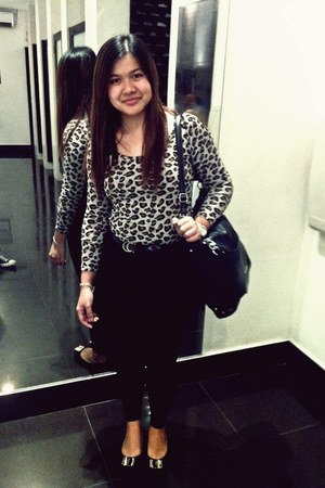 leopard print top - black leggings - black Charles and Keith bag