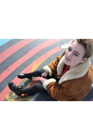 lammy coat coat - doc martens boots - black Zara jeans