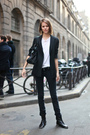 Black-blazer-white-t-shirt-black-jeans-black-purse-black-boots
