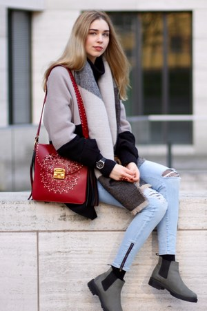 beige second hand coat - Zara scarf - ruby red Furla bag