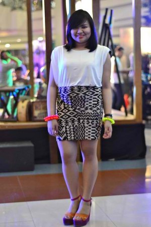 bandage Forever 21 skirt - color blocking CMG wedges - white blouse