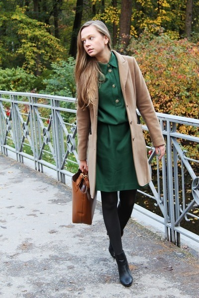 green vintage dress - black Zara boots - camel H&amp;M coat