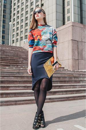 navy skirt - black sunglasses - orange top