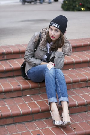 zebra pumps Guess shoes - Express jeans - black beanie University of Ottawa hat