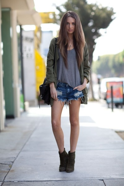 olive green jacket - bag - shorts - silver t-shirt