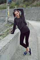 black black leggings - dark gray gray H&M sweater - blue blue Kappa sneakers