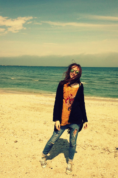 ripped H&M jeans - black Mango cape - unknown t-shirt