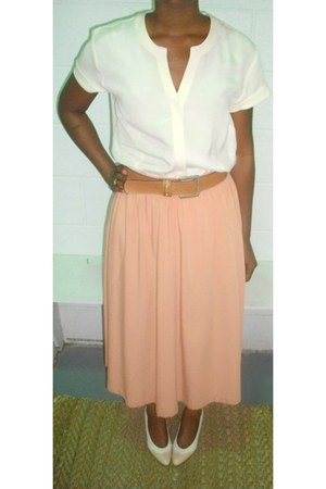off white vintage blouse - peach skirt - neutral belt - off white oxfords pumps