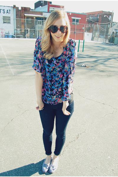 navy jeans James Jeans jeans - printed Mink Pink blouse - light blue blue suede