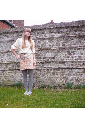 yellow vintage blouse - beige Zara belt - vintage skirt - silver H&M tights - go