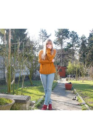 vintage blouse - blue H&M jeans - red Les 3 Suisses shoes