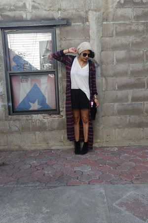 brandy melville bag - Bakers boots - eggshell Forever 21 hat - thrifted shorts