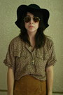 Black-deena-ozzy-boots-black-floppy-urban-outfitters-hat