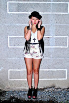 black zoo vest - white The Spotted shorts - black Soule Phenomenon shoes - black