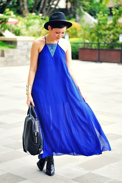 blue maxi dress - black buckled boots boots