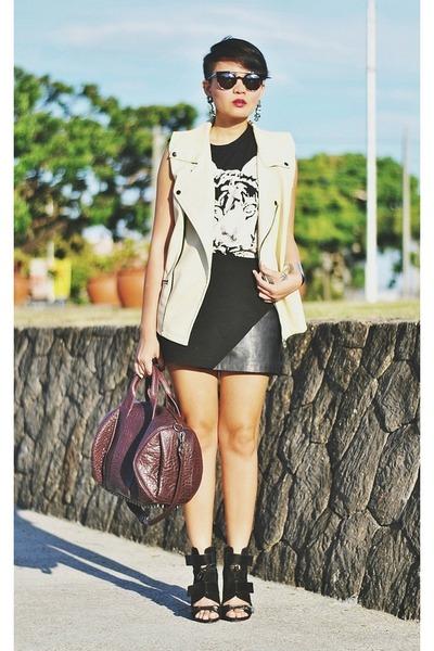 eggshell faux leather vest - black mesh Alexander Wang boots