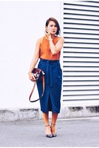 burnt orange top - maroon ps11 tiny PROENZA SCHOULER bag - black marbled pumps