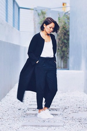 black duster coat - black high waist pants - white leather sneakers