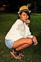 white Looking for Lola top - blue Zara shorts - brown Aldo wallet - black depart