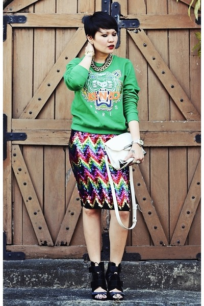 ruby red sequined romwe skirt - black noemi Alexander Wang boots - green sweater