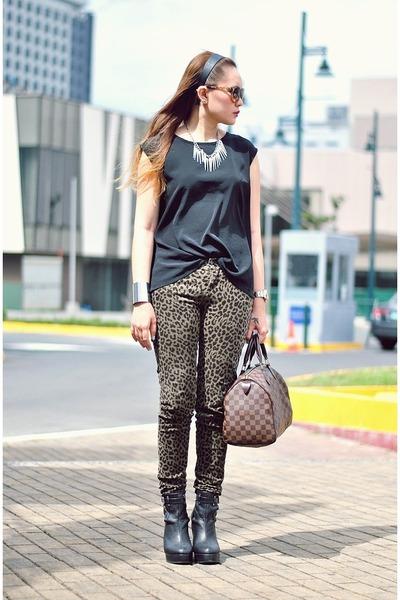 dark khaki leopard print jeans - black baxter courtesy of Gold Dot boots