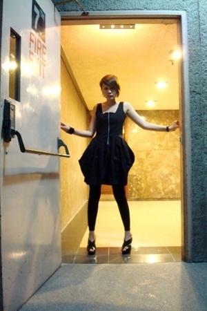 black Zipper dress - black F21 footless tights - black Mango shoes - black Mango