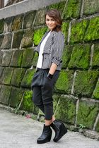 Museum Clothing blazer - gray Dark White - black Soule Phenomenon boots - white