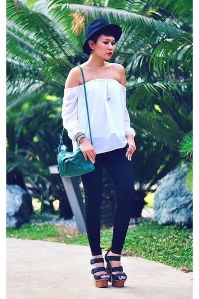 white off-shoulder top - black jean leggings Wrangler jeans