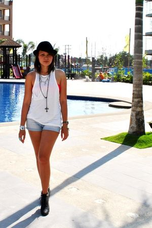 white duerr top - blue Zara shorts - black Forever21 boots - Topshop