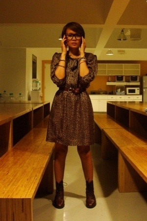 vintage dress - brown vintage bally boots - brown belt