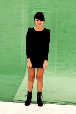 black from a bazaar dress - black boots