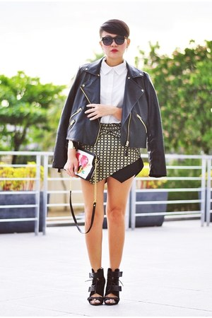 yellow origami skirt - black mesh Alexander Wang boots
