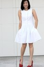Red-steve-madden-heels-white-dress-club-monaco-dress