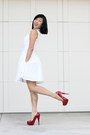 White-dress-club-monaco-dress-red-steve-madden-heels