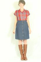 top - Levis skirt - Frye boots